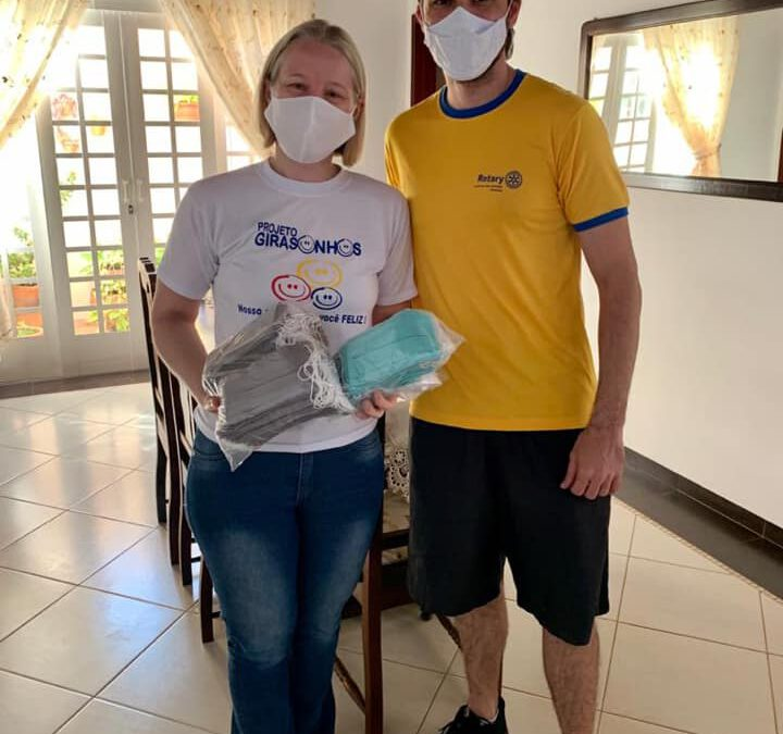Rotary Club realiza doação de 150 Máscaras para o Girasonhos